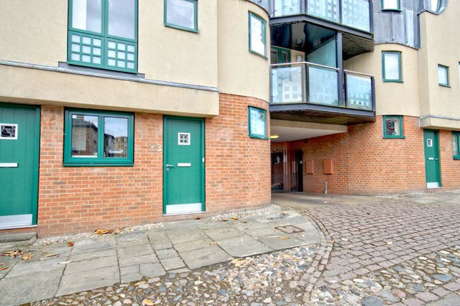 Thumbnail Flat to rent in St. Peters Street, Cambridge
