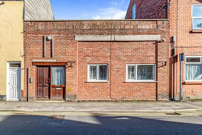 Thumbnail Flat to rent in North Street, Bridlington, East Riding Of Yorkshi