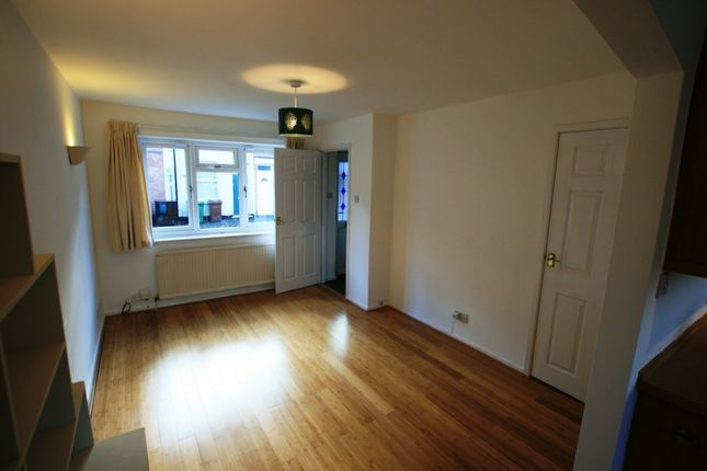 2 bed terraced house to rent in Cloister Street, Dunkirk, Nottingham