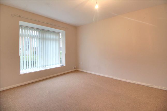 Picture No. 14 of Cypress Grove, Ash Vale, Surrey GU12