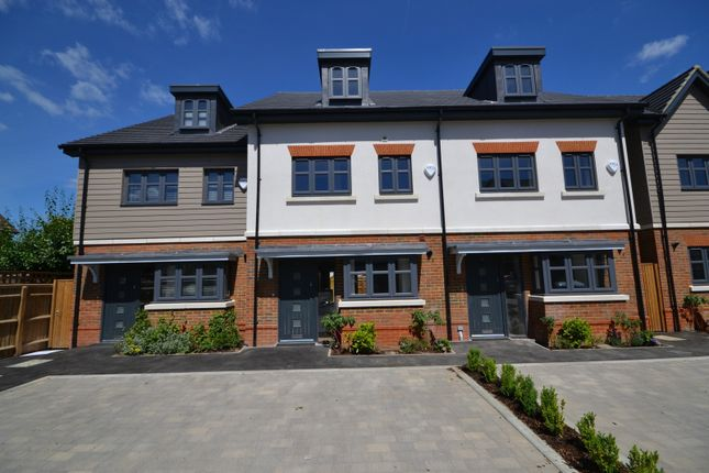 Thumbnail Property for sale in Elliott Court, North Road, Woking