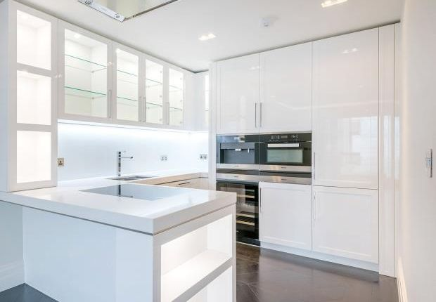 Thumbnail Property to rent in The Strand, London