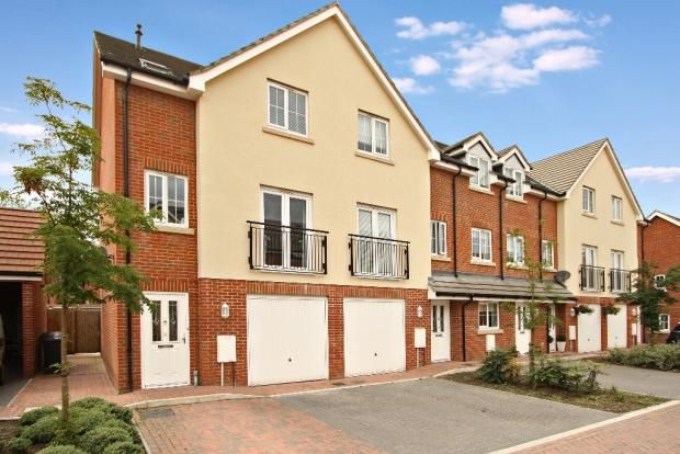 Thumbnail Town house to rent in Watson Court, Hedge End, Southampton