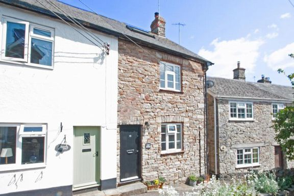 2 bed cottage for sale in Frog Street, Bampton, Tiverton