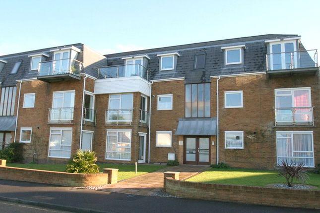 2 bed flat to rent in Hendon Avenue, Rustington, Littlehampton