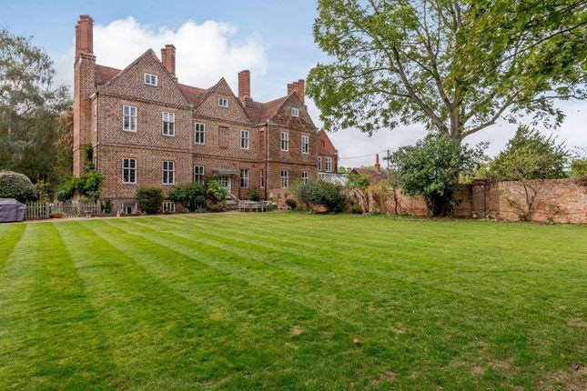 Thumbnail Property for sale in Davis Street, Hurst, Reading, Berkshire RG10.