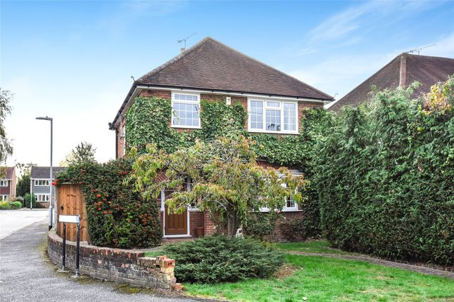 Thumbnail Detached house to rent in The Broadway, Sandhurst, Berkshire