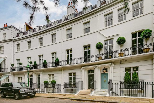 Thumbnail Property to rent in Egerton Crescent, London
