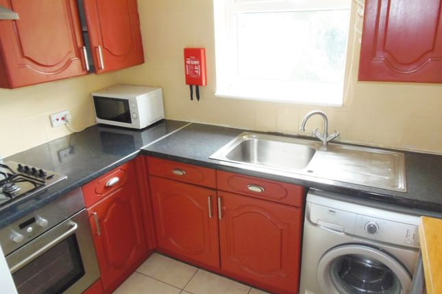Thumbnail Semi-detached house to rent in Leburnum Gove, Southhall