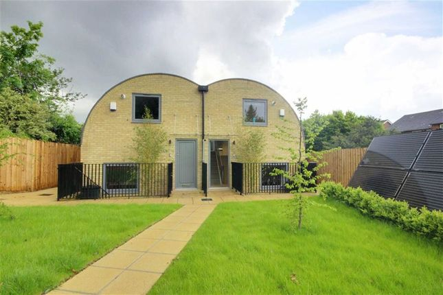 Thumbnail Semi-detached house to rent in Off Richmond Road, New Barnet, Hertfordshire
