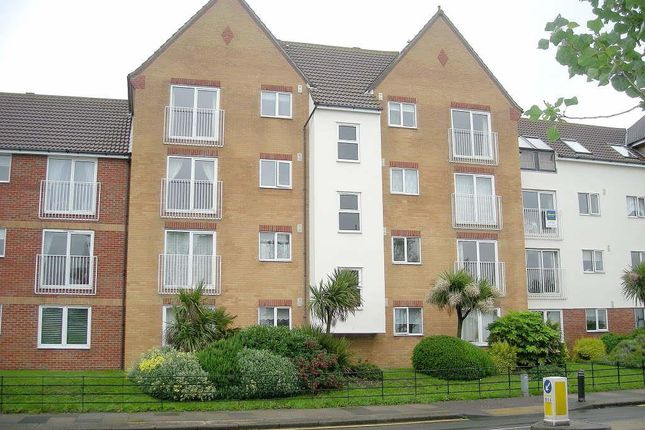 Flat to rent in Marina Point, West Road, Clacton-On-Sea