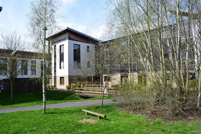 Thumbnail Flat for sale in Cowleaze, Chippenham, Wiltshire
