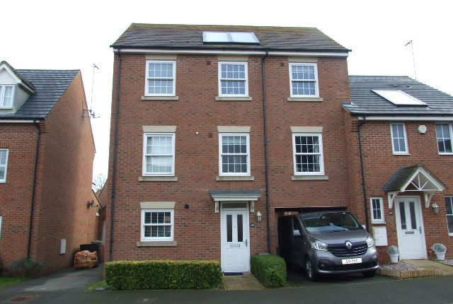 Thumbnail Town house for sale in Cable Crescent, Woburn Sands