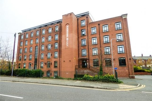 Thumbnail Flat to rent in Mossley Road, Ashton-Under-Lyne