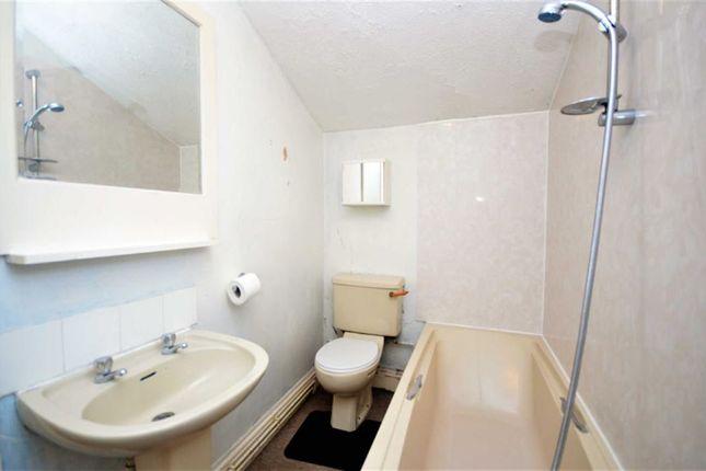 Bathroom of Victor Street, Grimsby DN32