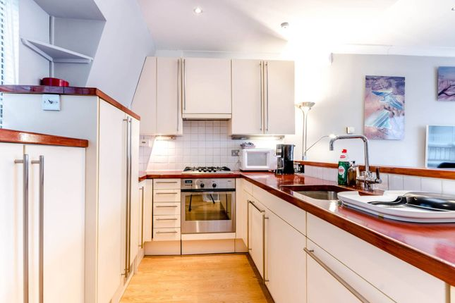 2 bed maisonette to rent in Adam & Eve Mews, High Street Kensington
