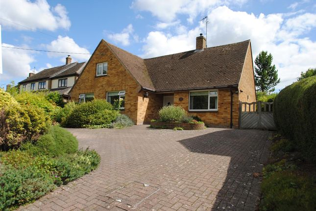 5 bed property for sale in Manor Road, Wantage