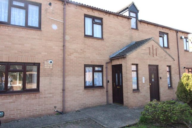 Thumbnail Flat for sale in Hawthorne Court, Hawthorn Avenue, Hull