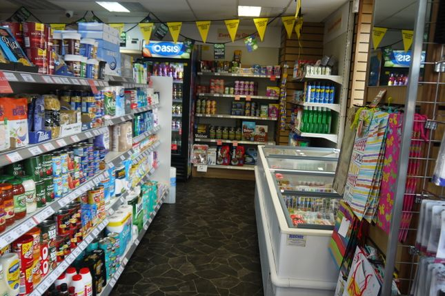 Photo 3 of Off License & Convenience HD3, Milnsbridge, West Yorkshire