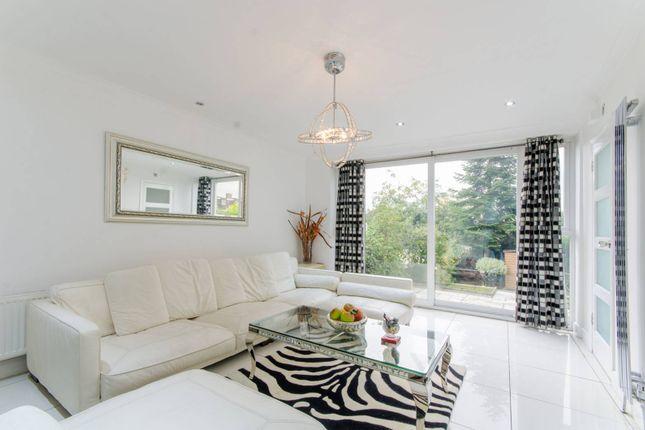 Thumbnail Terraced house to rent in Gallants Farm Road, East Barnet