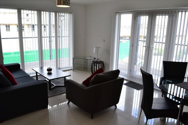 Thumbnail Flat to rent in Autumn Way, West Drayton, Middlesex