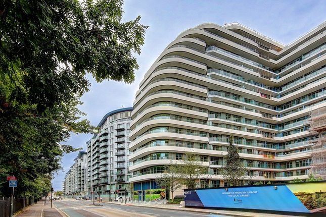 Thumbnail Flat for sale in Cascade Court Apartments, Vista Chelsea Bridge Wharf, 1 Sopwith Way, 348 Queenstown Road