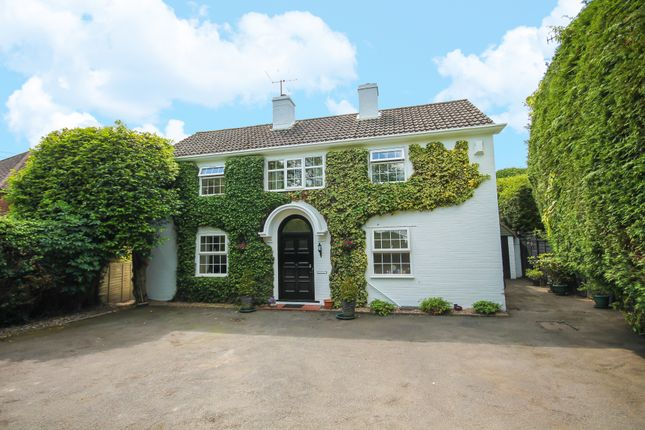 Thumbnail Detached house for sale in Ship Street, East Grinstead
