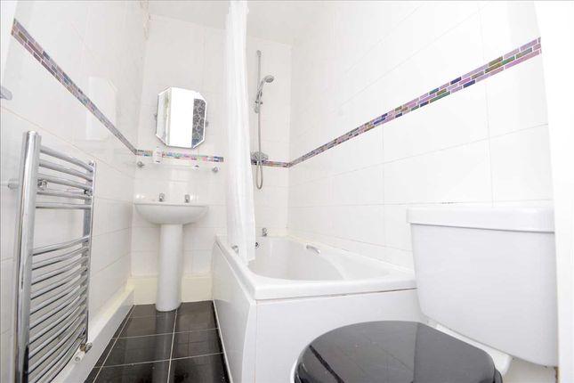 Bathroom of Kingsmere Gardens, Walker, Newcastle Upon Tyne NE6