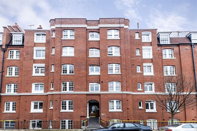 Thumbnail Flat for sale in Thanet Street, London