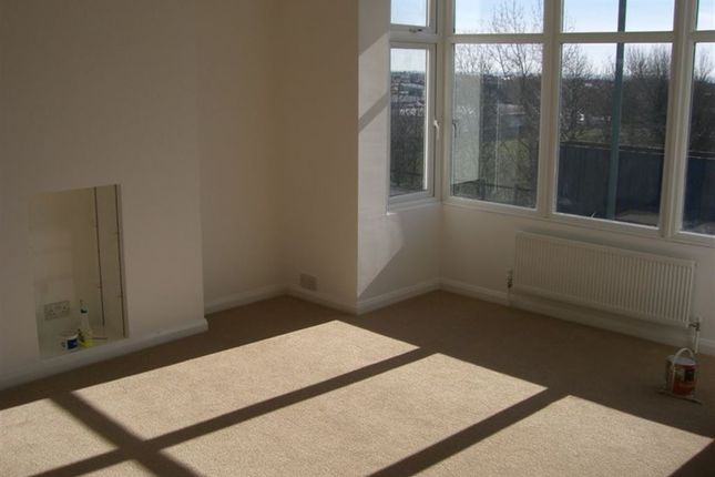 Thumbnail Maisonette to rent in Old Shoreham Road, Portslade, Brighton