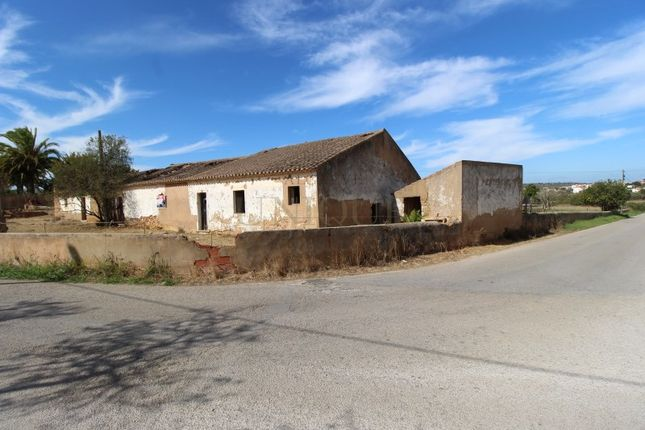 Detached house for sale in Meia Praia, Odiáxere, Lagos