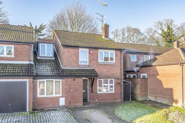 557139 (1) of Nash Close, Elstree, Borehamwood WD6