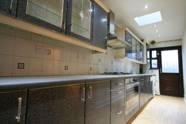 Thumbnail Flat to rent in Wyndham Road, London