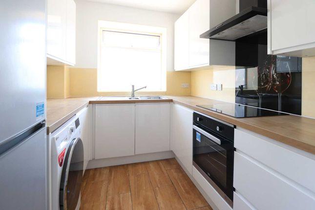Flat to rent in Wickham Close, New Malden