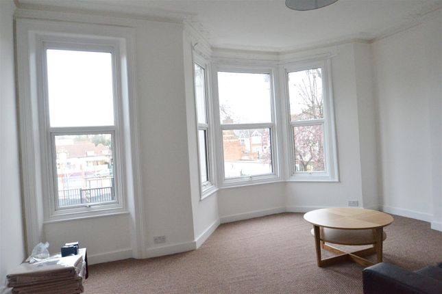 4 bed flat to rent in Messina Avenue, West Hampstead, London