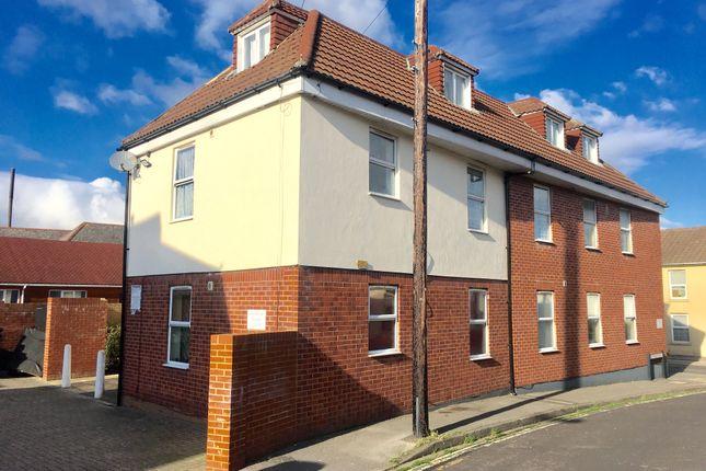 Thumbnail Flat to rent in Forton Road, Gosport