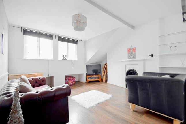 Thumbnail Property for sale in Newington Green Road, London