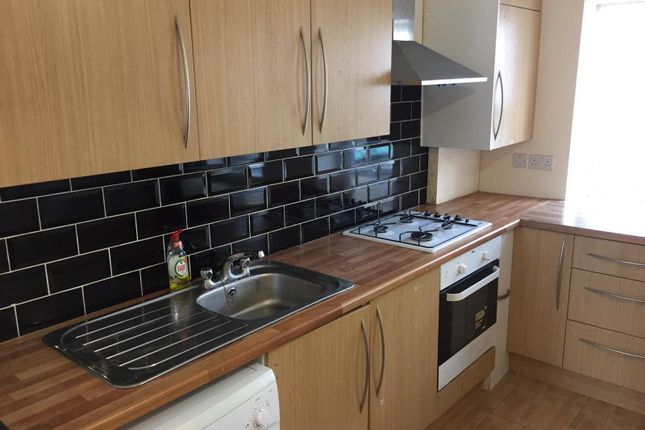 Maisonette to rent in Bedford Road, London