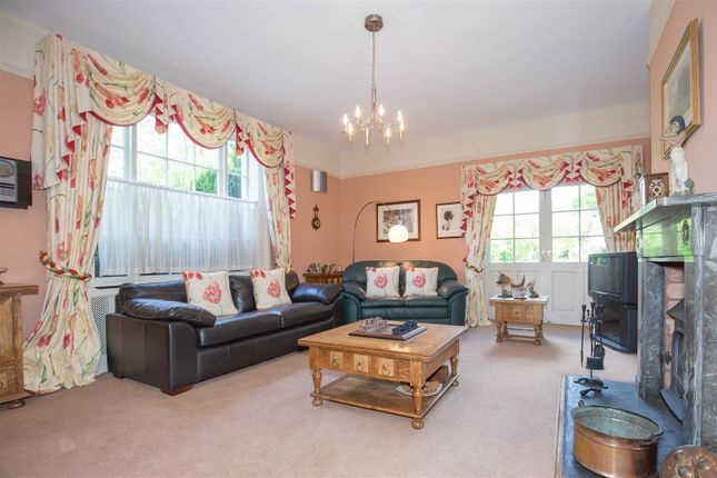 Living Room of Coughton Fields Lane, Coughton, Alcester B49