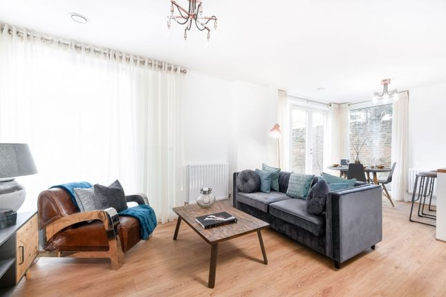 Flat for sale in So Resi Totteridge, High Road, Totteridge