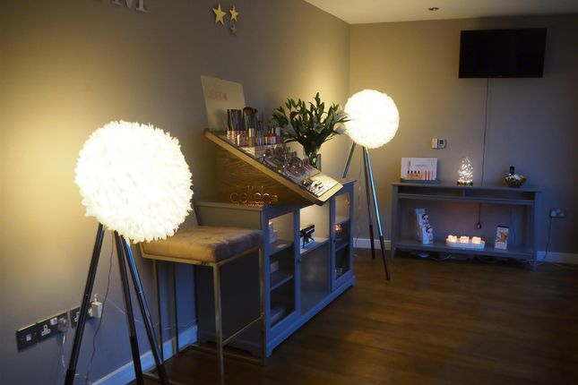 Thumbnail Retail premises for sale in Beauty, Therapy & Tanning YO42, Pocklington, East Yorkshire