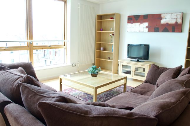 Thumbnail Flat to rent in Gardner's Crescent, Edinburgh