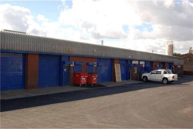 Thumbnail Warehouse to let in Charlestown Industrial Estate, Robinson Street, Ashton-Under-Lyne, Lancashire, UK