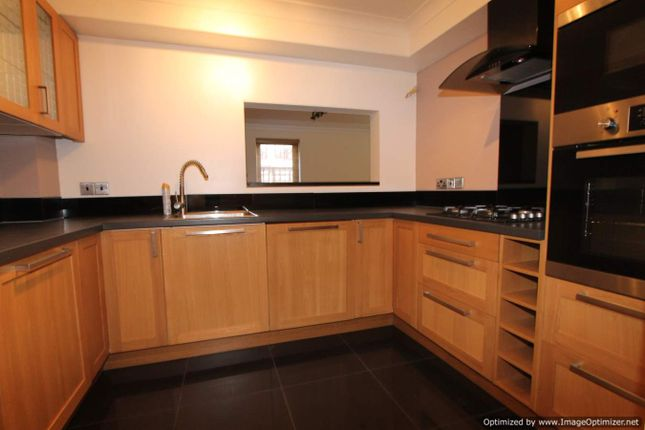 Thumbnail Flat to rent in Lansdowne Road, Purley