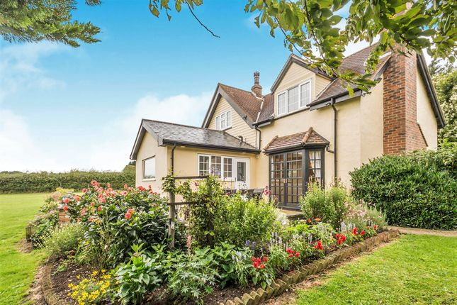 Thumbnail Detached house for sale in Tylers Road, Roydon, Harlow
