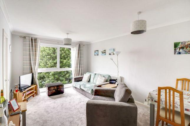 Flat for sale in Laleham Road, Shepperton