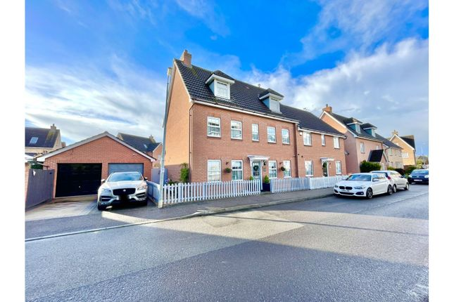 Thumbnail Semi-detached house for sale in Clay Pits, Braintree