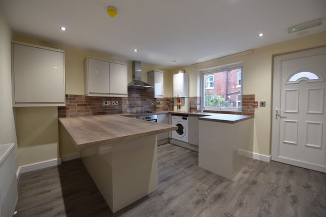 Thumbnail Terraced house to rent in Welton Place, Leeds, West Yorkshire