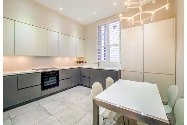 Flat to rent in Avonmore Road, West Kensington