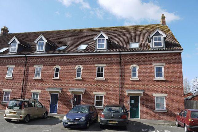Thumbnail Flat to rent in Coachmans Yard, Glastonbury